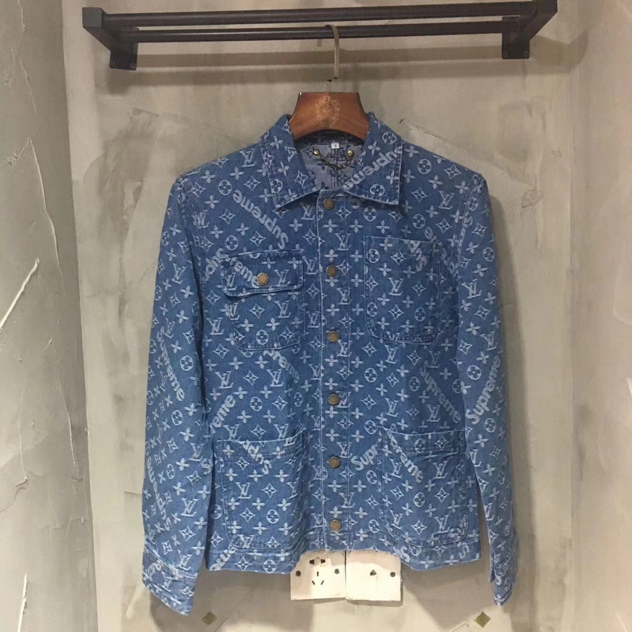 17SS Supreme X Louis Vuitton Logo Printed Shirt