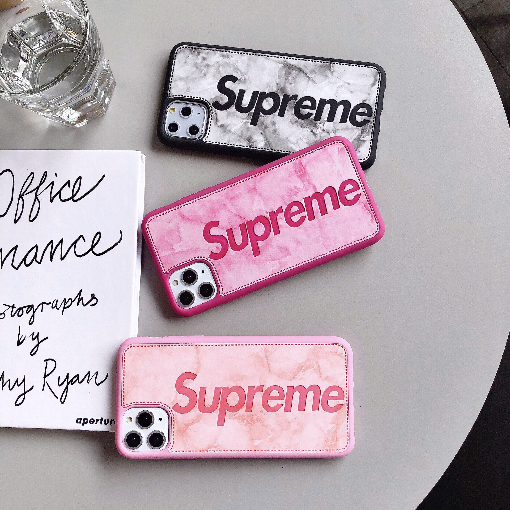Supreme(シュプリーム) iPhone6/6s、6/6sPlus、7、7 Plus、8、8 Plus、X 、XS、XS Max、XR、11、iPhone 11 Pro、11 Pro Max ケース 3色